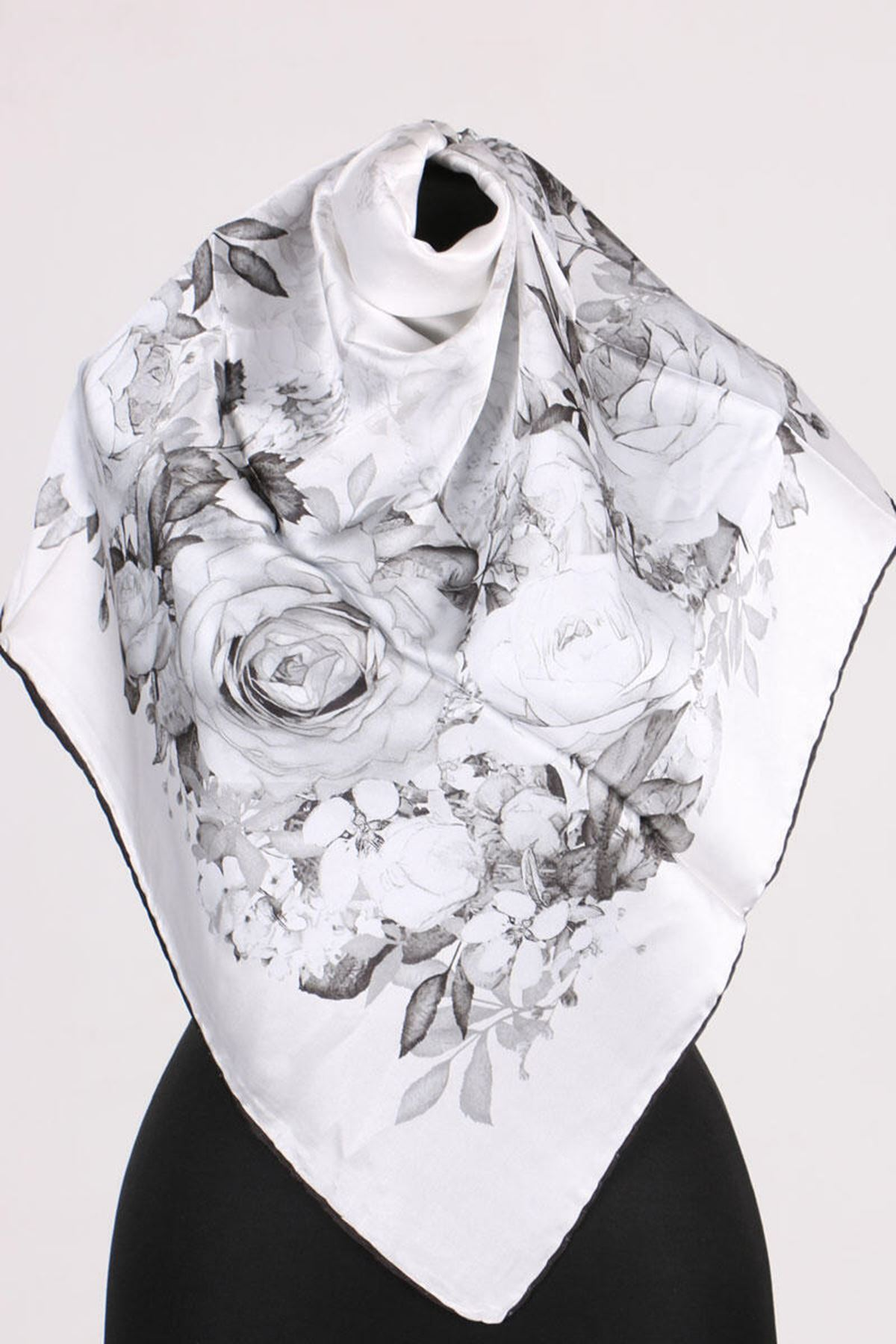 17178 Patterned Twill Scarf - White- Black
