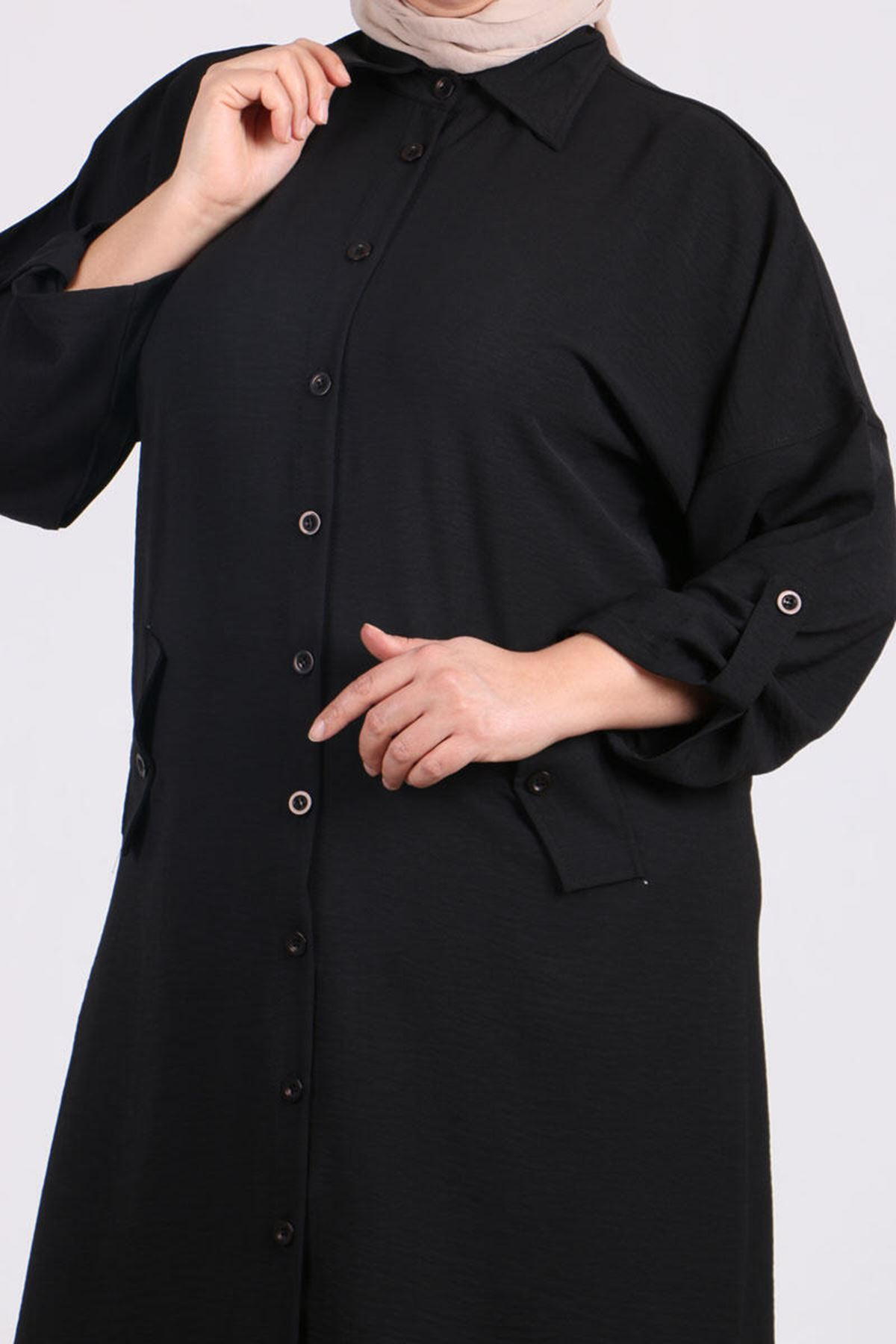 8423 Plus Size Shirt with Low Sleeve - Black