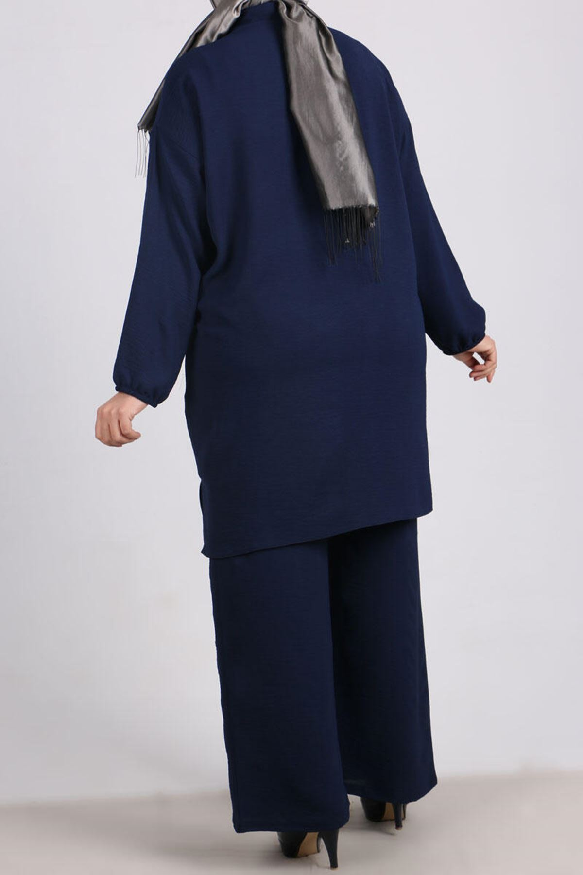 7682 Plus Size Hidden Buttoned Two Piece Set with Pants-Navy Blue
