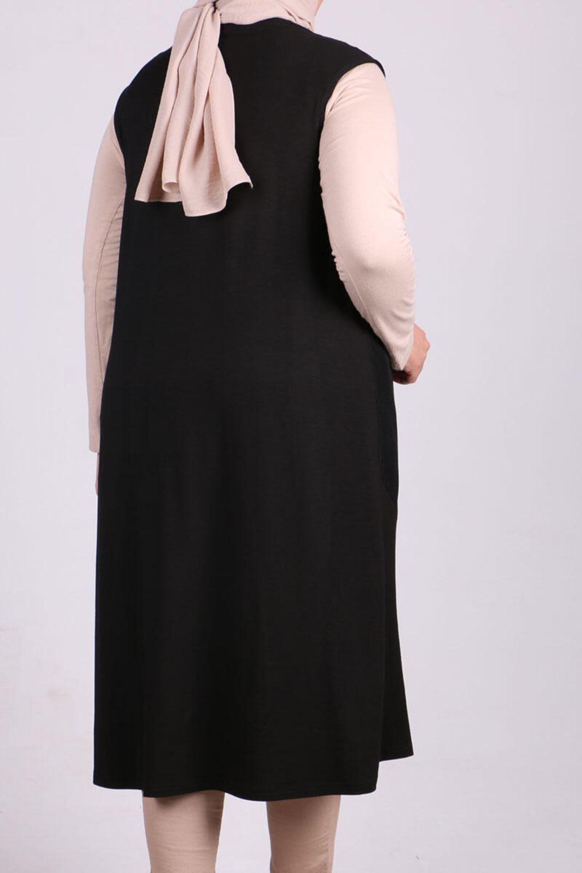 4049 Plus Size Vest - Black