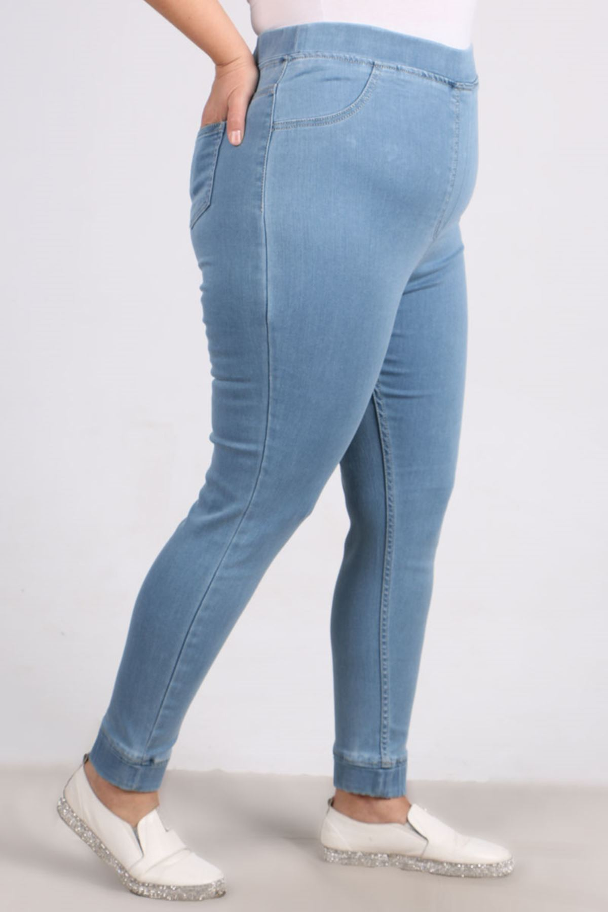 9139 Büyük Beden Beli Lastikli Dar Paça Kot Pantalon-Buz Mavi