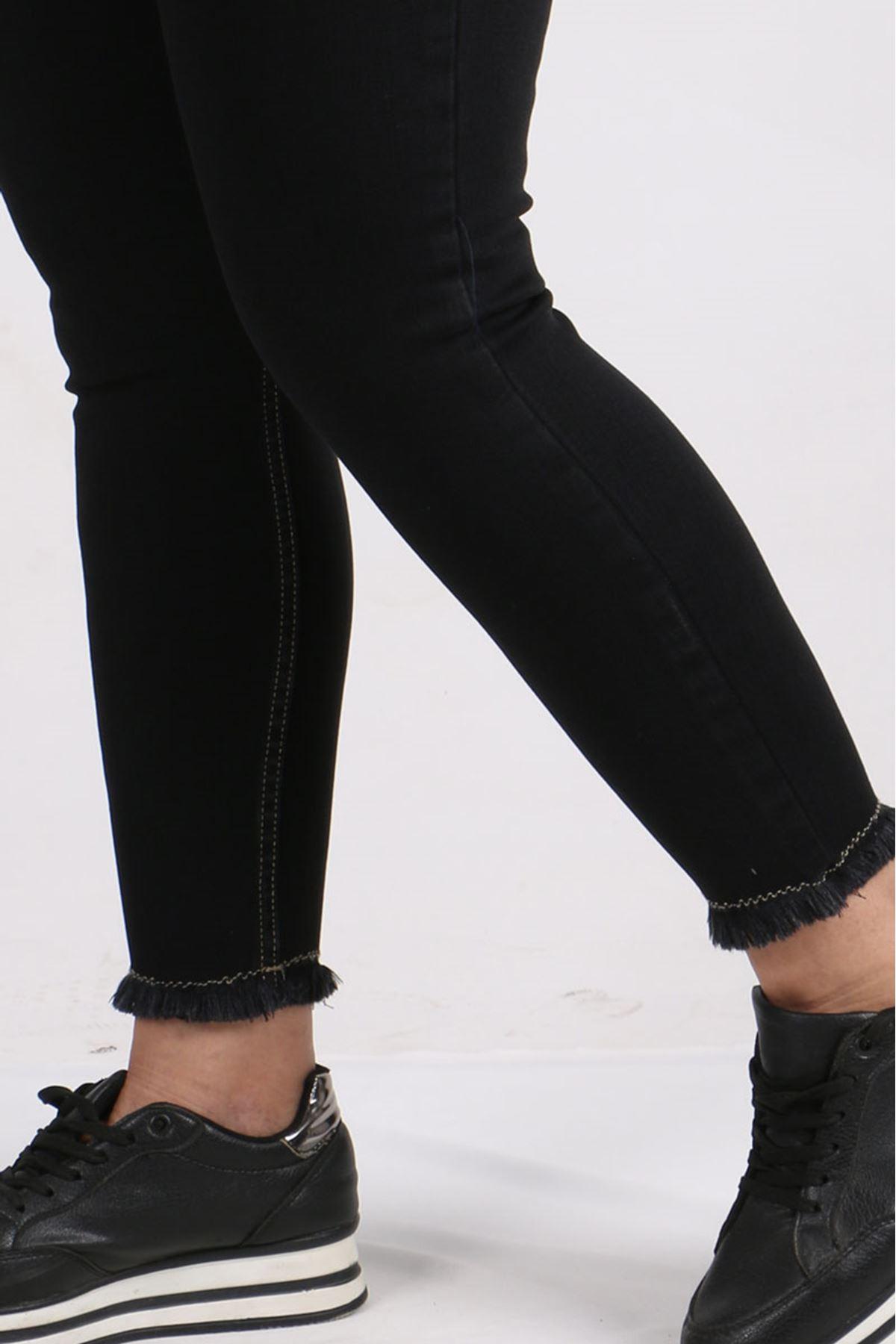 9138  Büyük Beden Beli Lastikli Püsküllü Dar Paça Kot Pantalon- Siyah