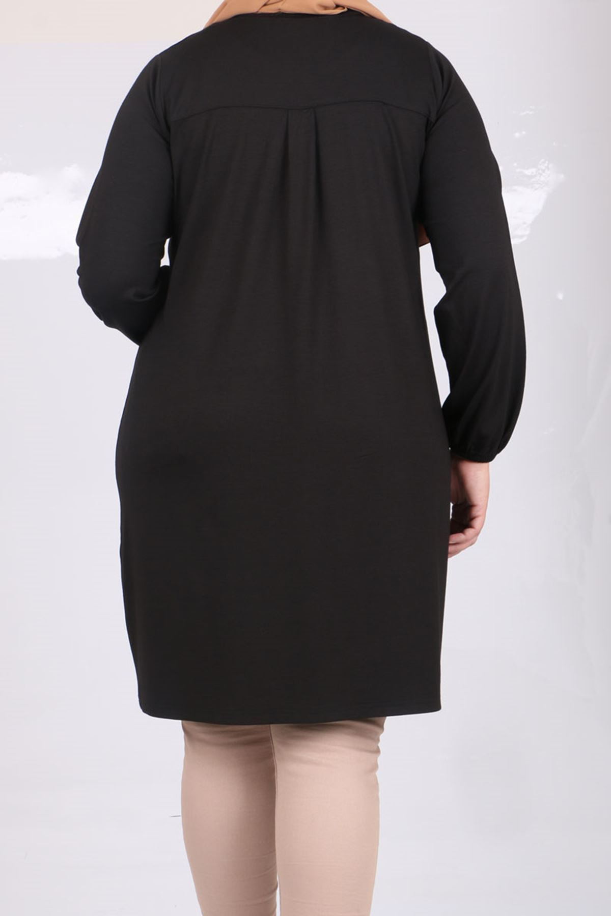 8252 Plus Size  Pocket Detailed Tunic- Black