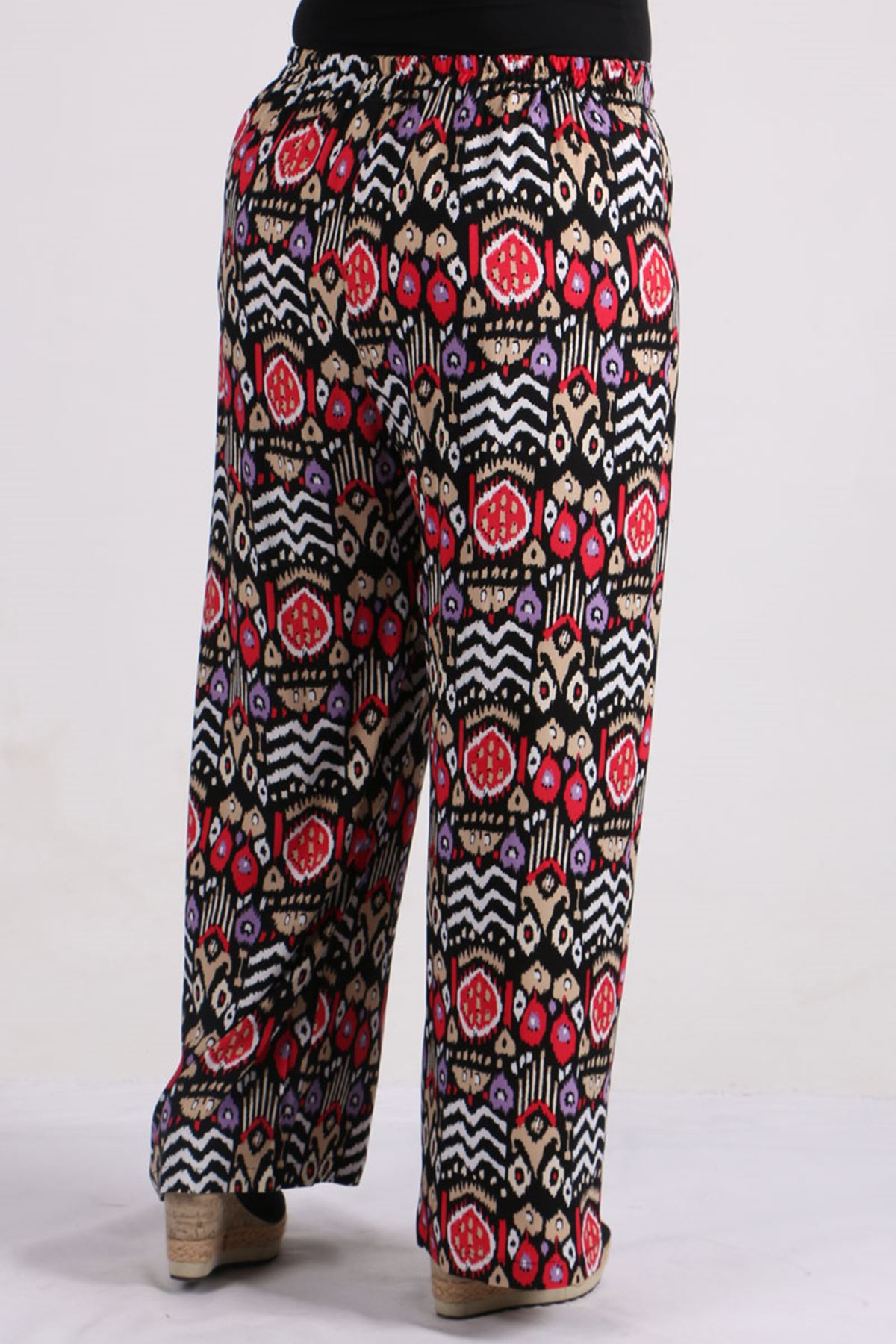 9156 Plus Size Pants - Red Patterned