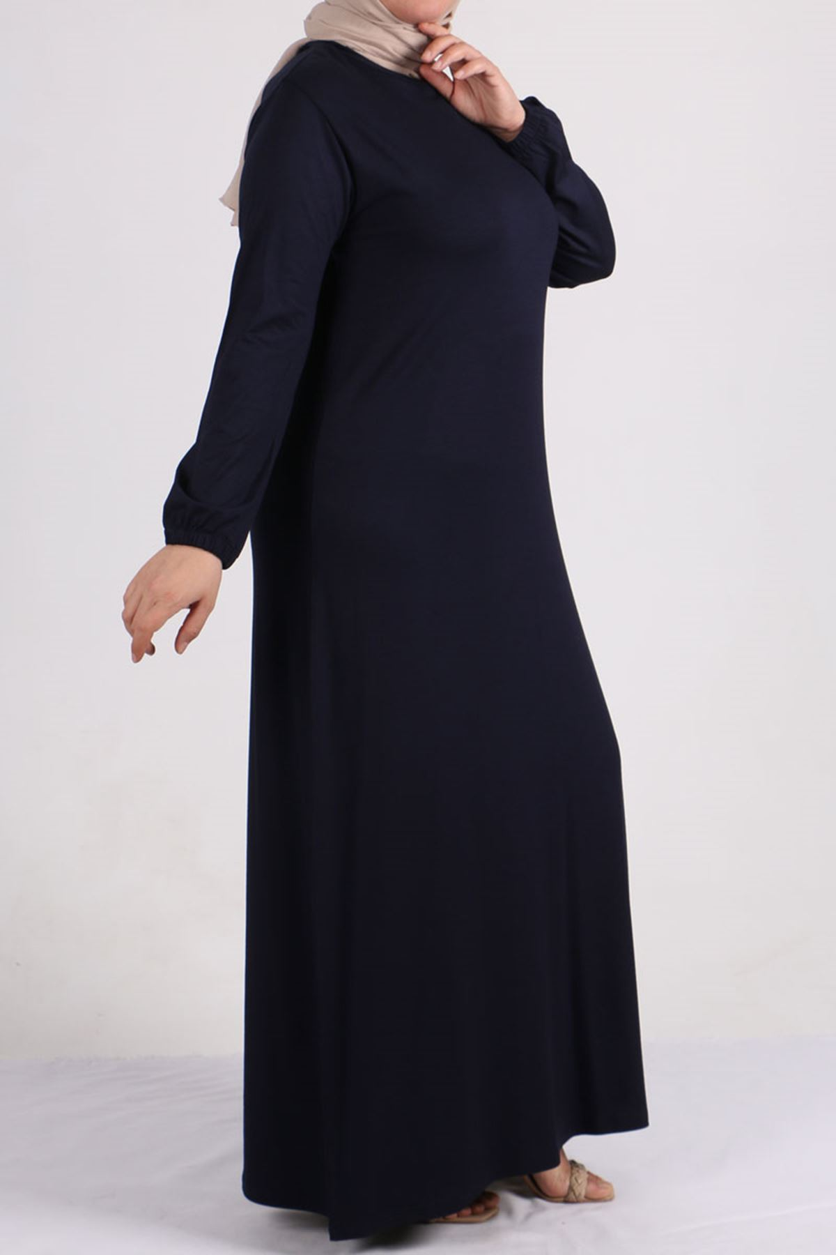 2083 فستان بتفاصيل أزرار مقاس كبير - اسود