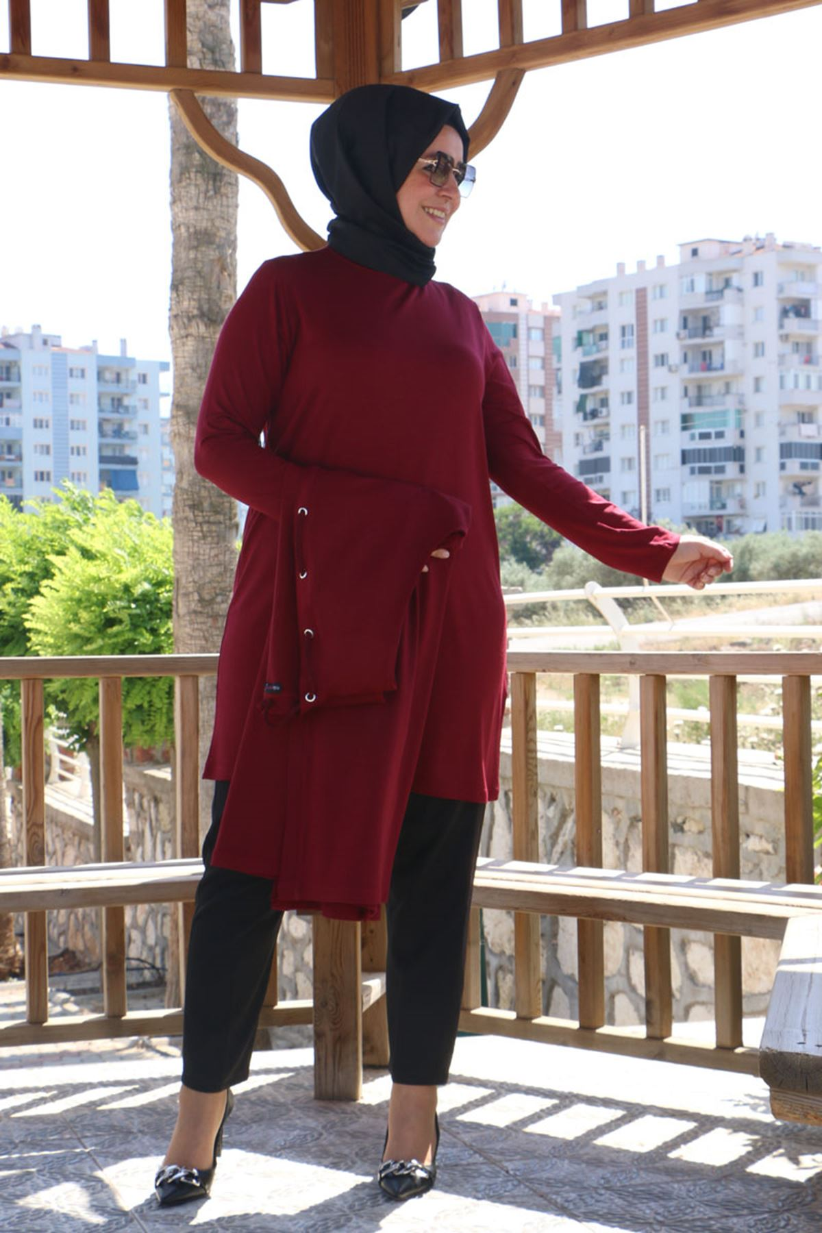 7905 Plus Size Two-Piece Set with Vest and Tunic- Claret Red