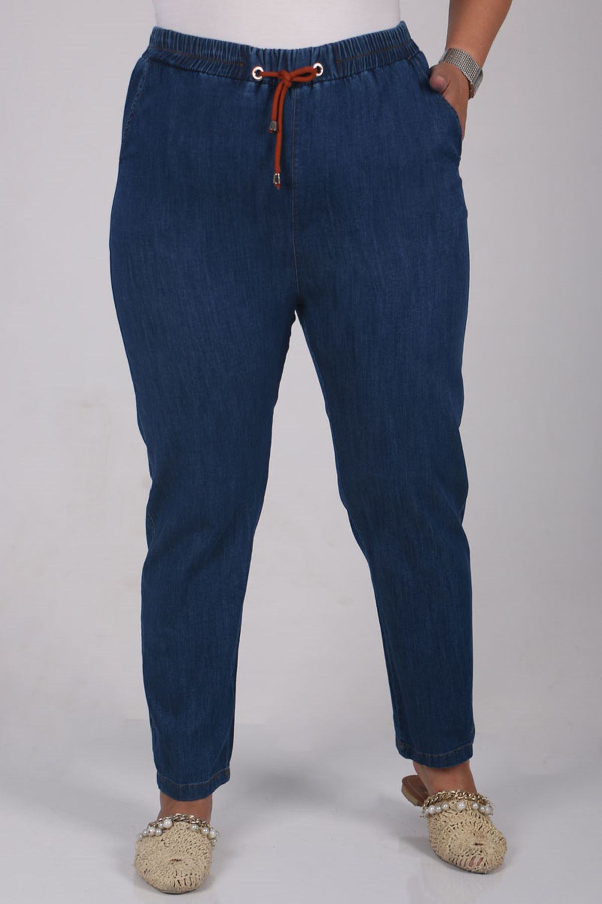 9158 بنطلون جينز مقاس كبير  بخصر مرن و ضيق ساق- أزرق - قرميدي