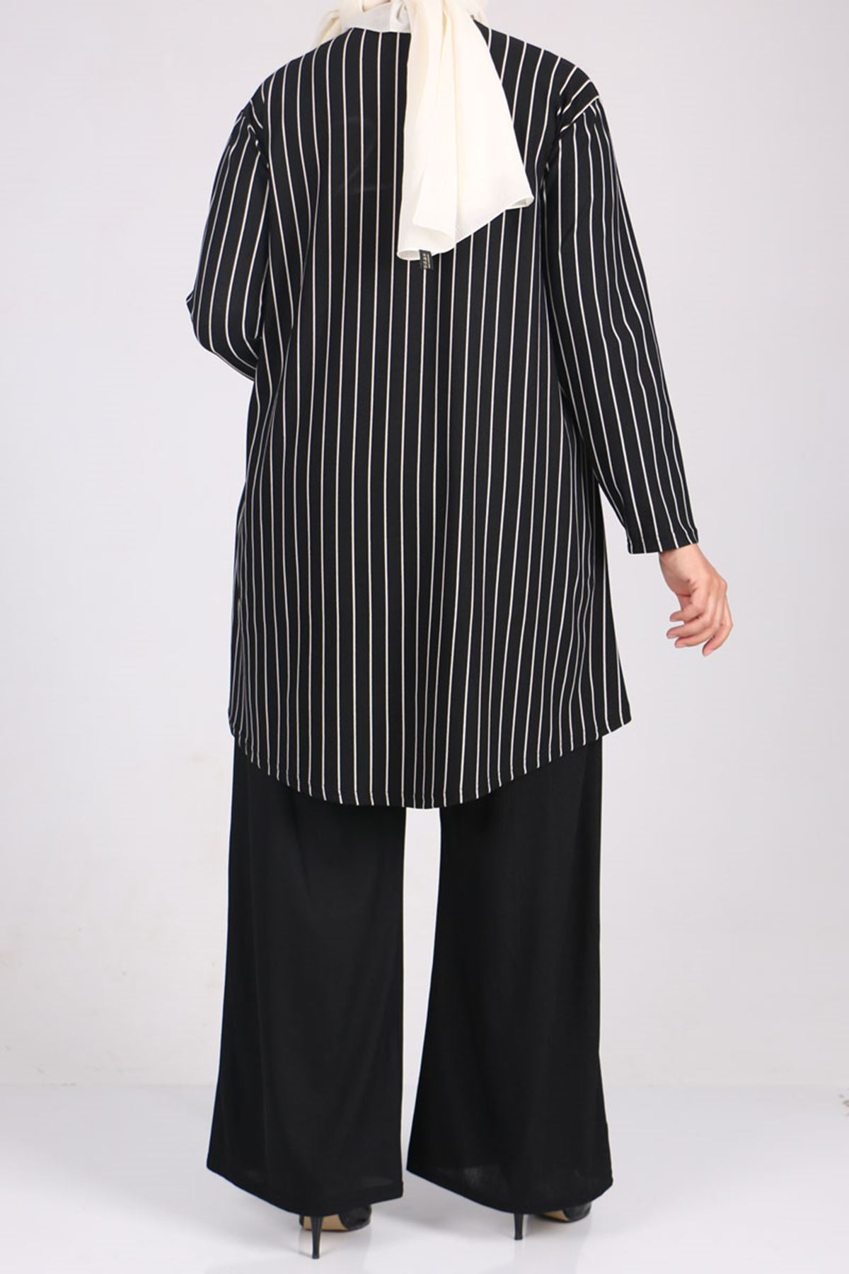7707 Büyük Beden Örme Krep- Pantolonlu Takım - Siyah Çizgili