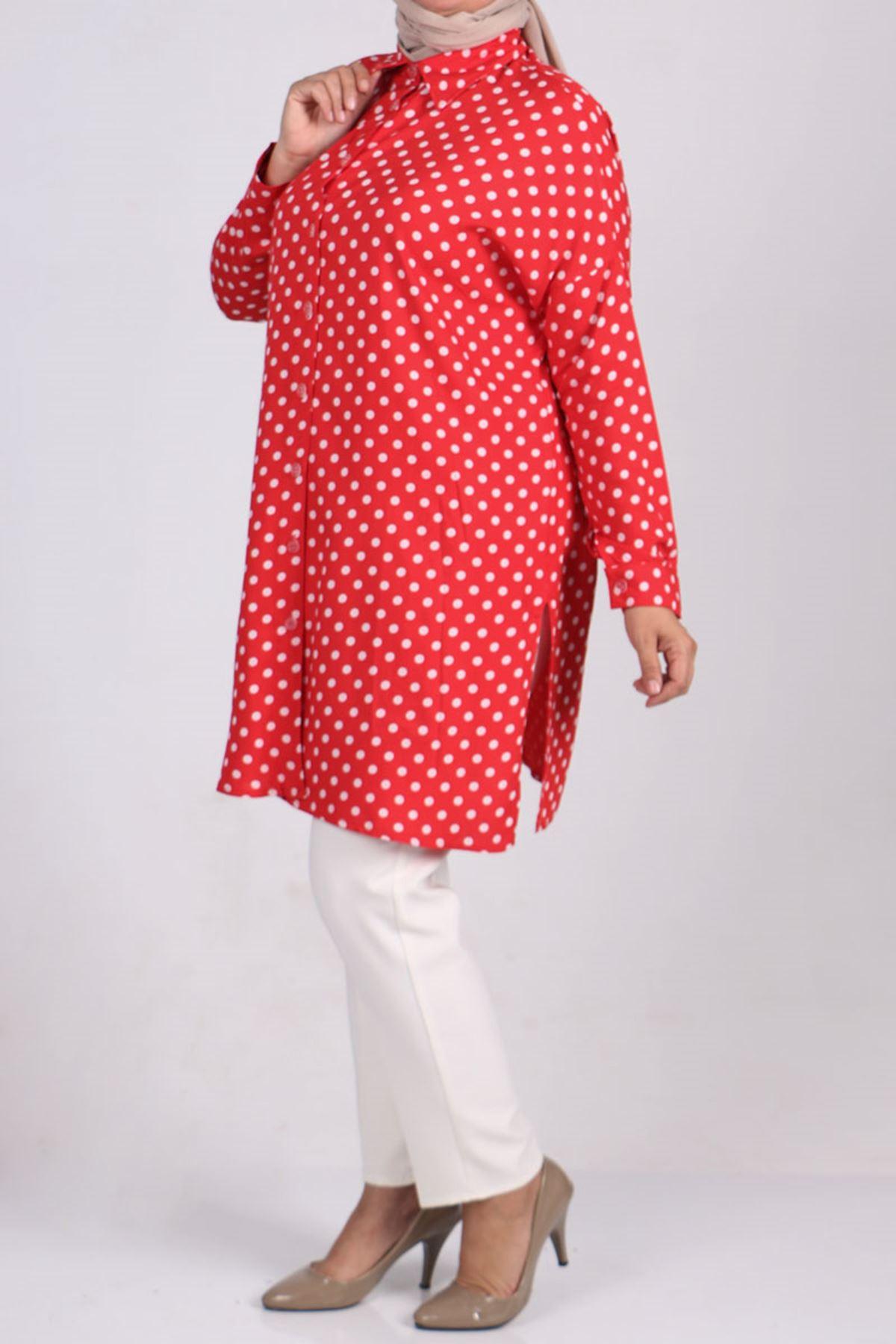 8474 قميص مقاس كبير بأكمام منخفضة - أحمر - أبيض منقط