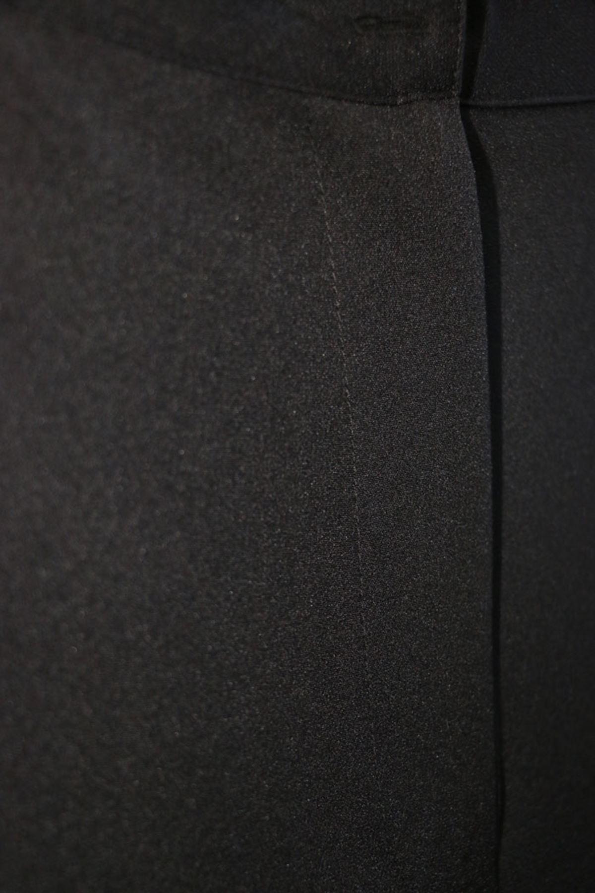 D-9008-5 Büyük Beden Beli Lastikli Defolu Pantolon - Siyah