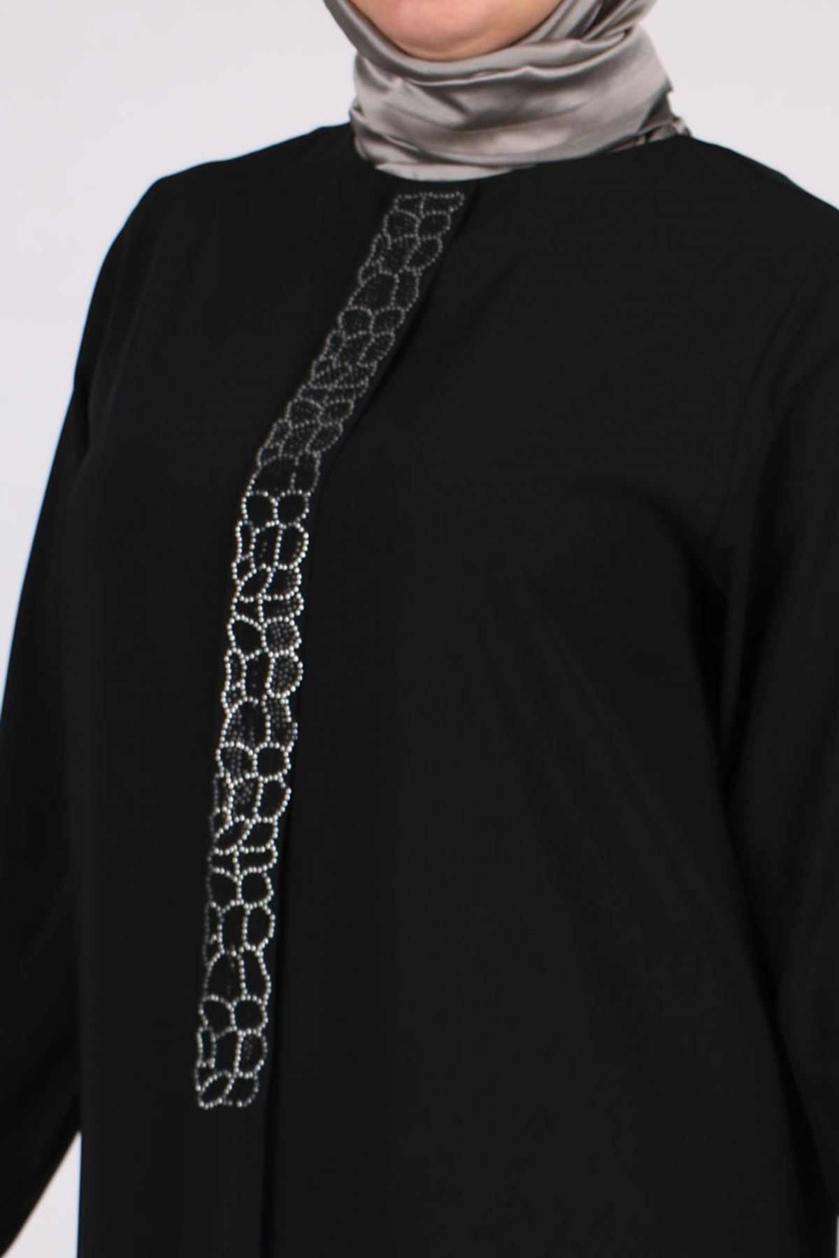 8485 Büyük Beden Önü Taş Detaylı Medine İpeği Tunik - Siyah