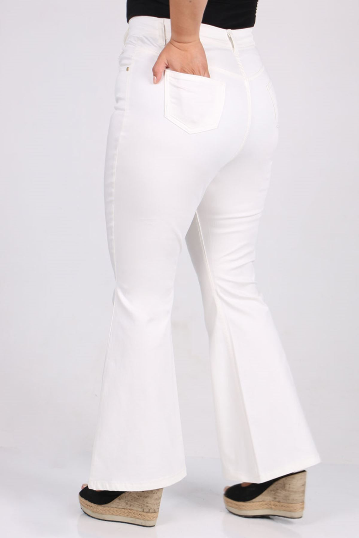 9110 Büyük Beden İspanyol Paça Kot Pantolon - Beyaz